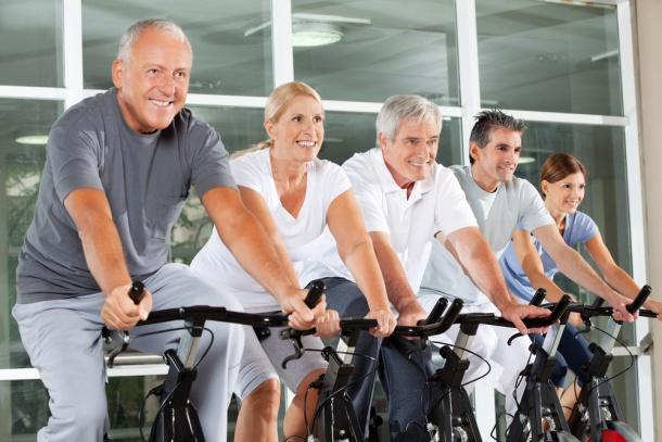 Gruppe Fahrrad fahren
